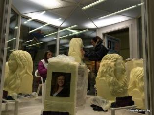 a live princess gets sculpted