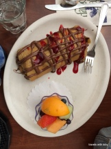 Egg Harbor: yummy crepe filled with berries