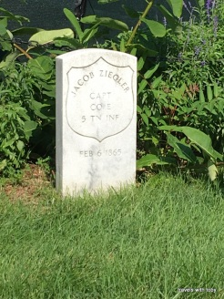 Civil War military grave near Arlington House