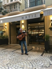 A busker outside Matiz, Málaga
